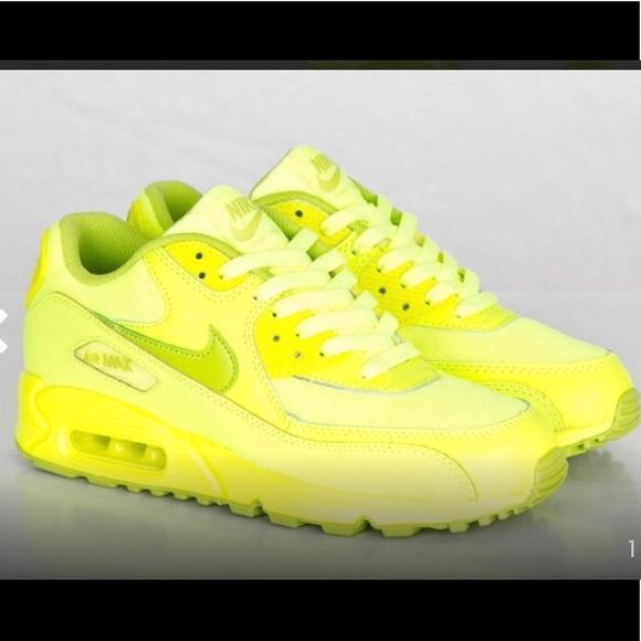 wholesale dealer cba7b aec7c DEADSTOCK Nike Air Max 90. M_5b3574c2bb7615bc989c4ef7